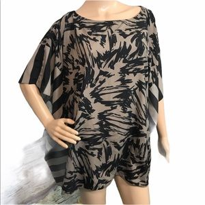 Vince Camuto Tunic Top, size XL ✌️